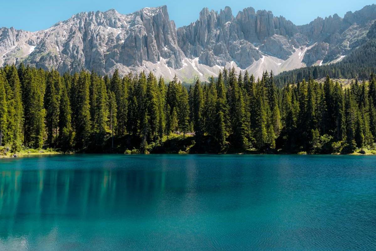 Gardasee Wald und Berge